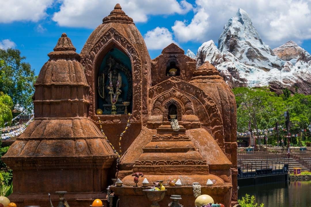 Expedition Everest - Yeti Monument
